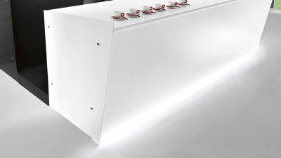 dettaglio-illuminazione-zoccolo-led-chefline-1